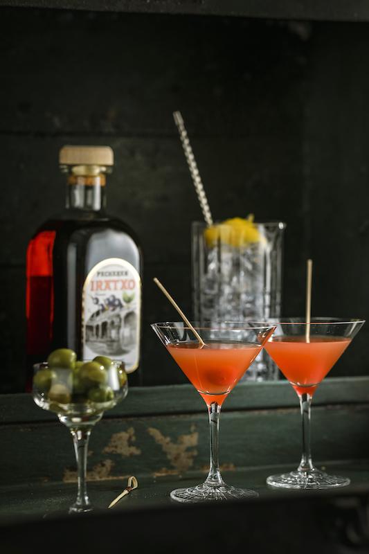 Hemingway-mit-Pacharan-Cocktail0Y1guPVgPGGZd