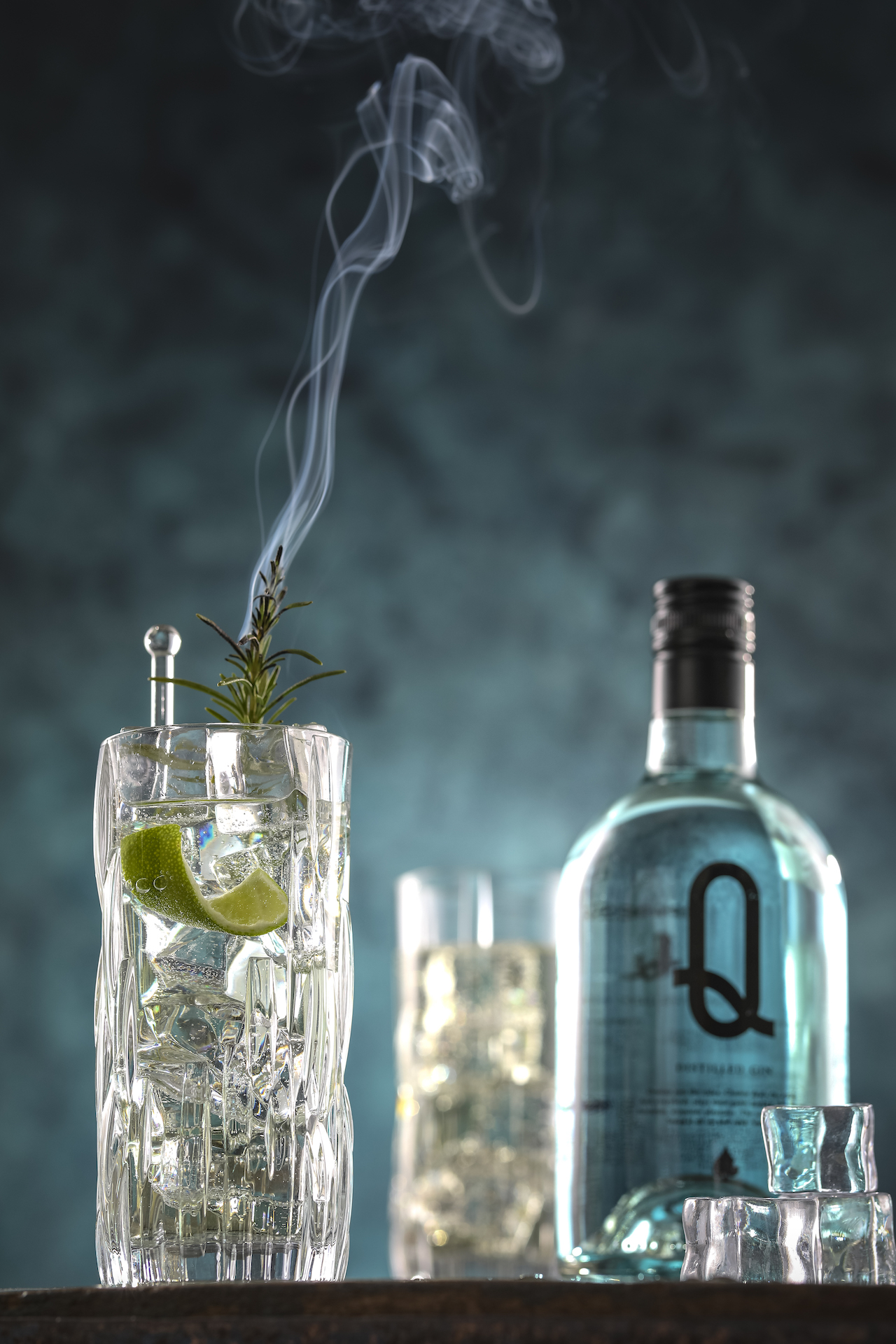 Blue-Gin-Tonic-Cocktail