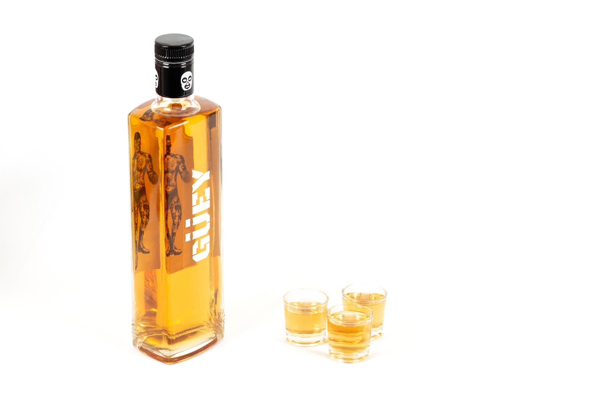 G-ey-Tequila-Gold-mit-Gl-ser