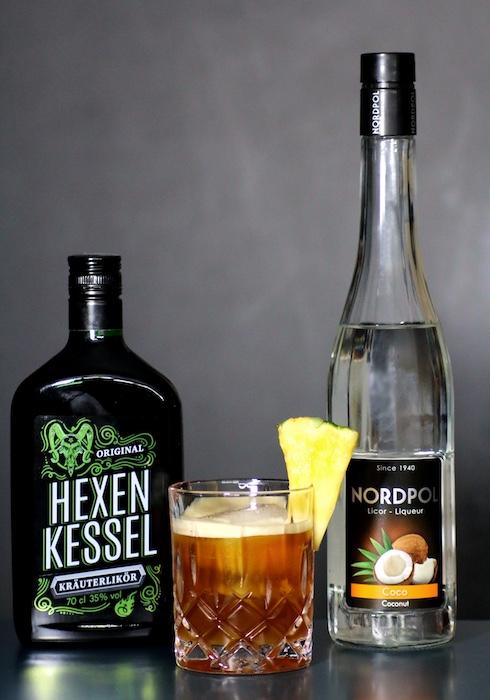 Mastermix-Cocktail-mit-Kokoslikoer_Kraeuterlikoer7GDqd4wo70kEM