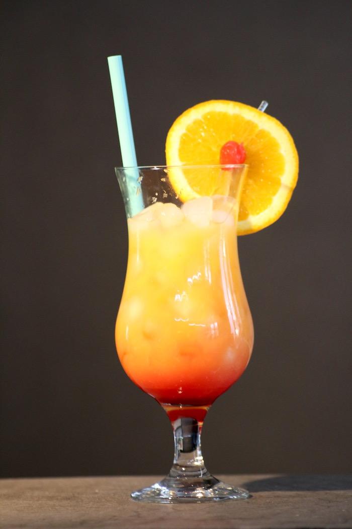 Tequila-Sunrise-alkoholfrei-Cocktail-Happydrinks