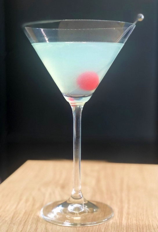Blue-White-Lady-Cocktail