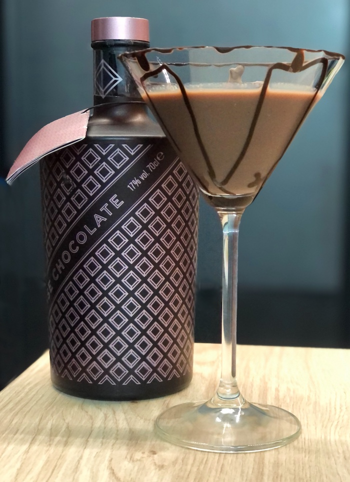 Schoko-Coco-Cocktail-mit-Schokoladenlikoer
