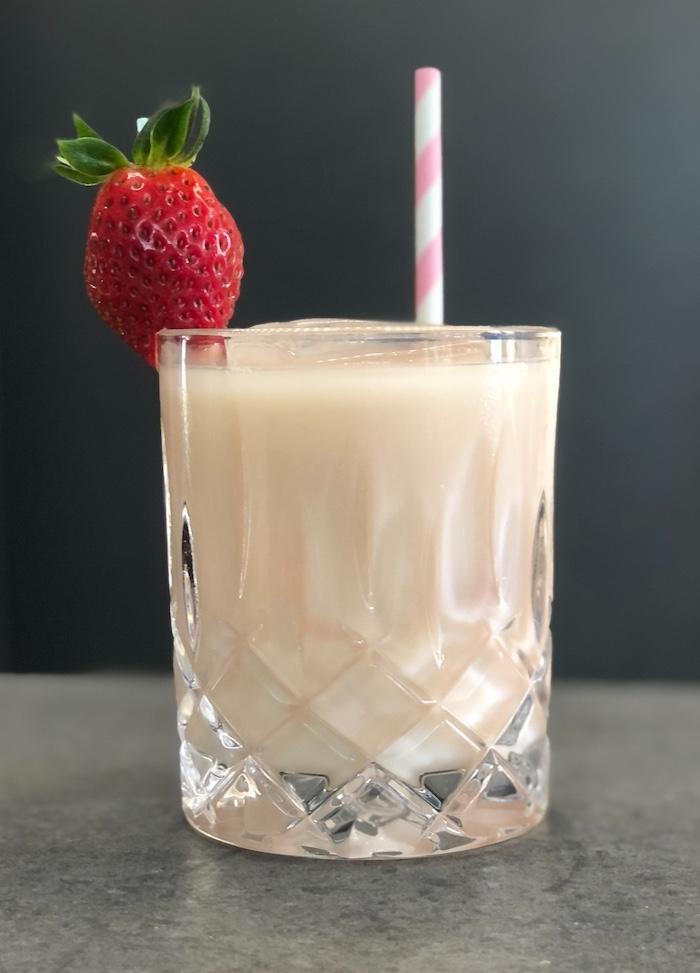 Sombrero-Mix-Cocktail-mit-Erdbeere