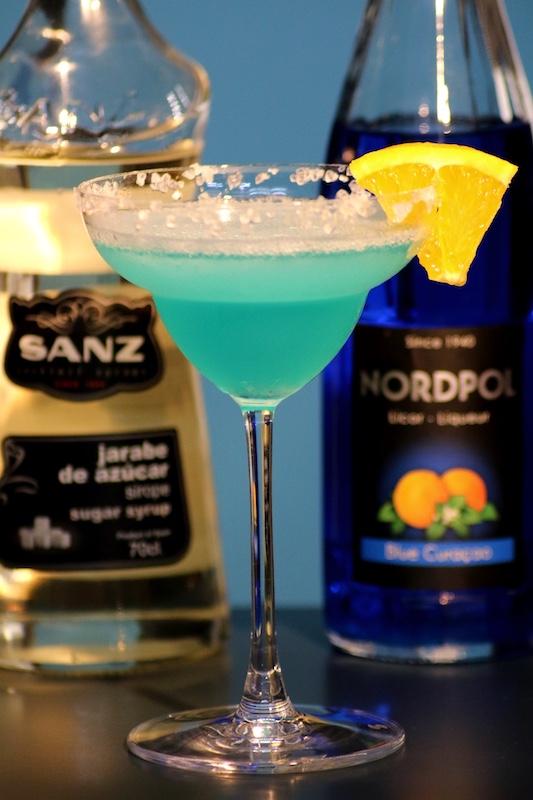 Frozen-Blue-Daiquiri_Zuckersirup_Blue-Curacao